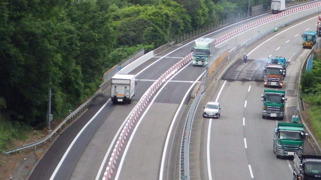 リニューアル 高速